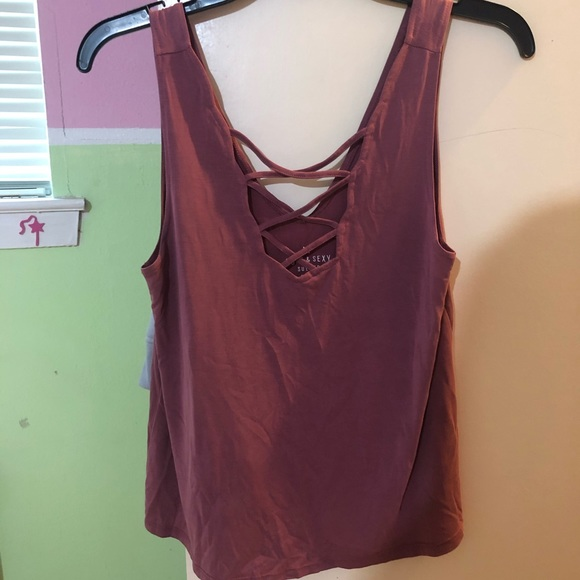 American Eagle Outfitters Tops - AE front criss cross tank top